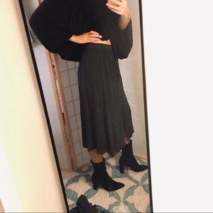 Zara • Dark Green Midi Skirt